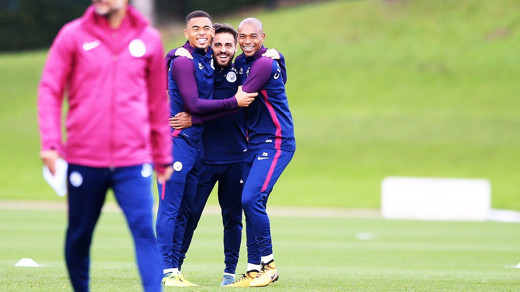 NO TALKING AT THE BACK! Gabriel Jesus, Bernardo Silva and Fernandinho