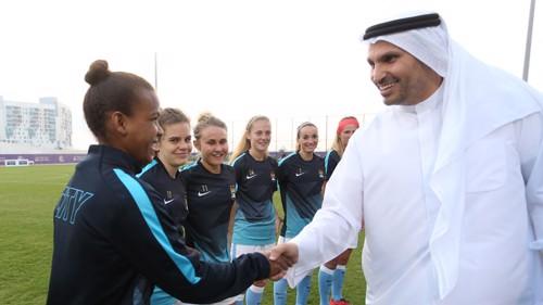 Khaldoon Al Mubarak meets Manchester City Women's players