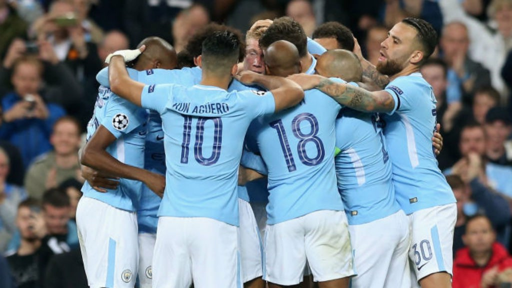 BLUE HEAVEN: The City players celebrate Kevin De Bruyne's goal
